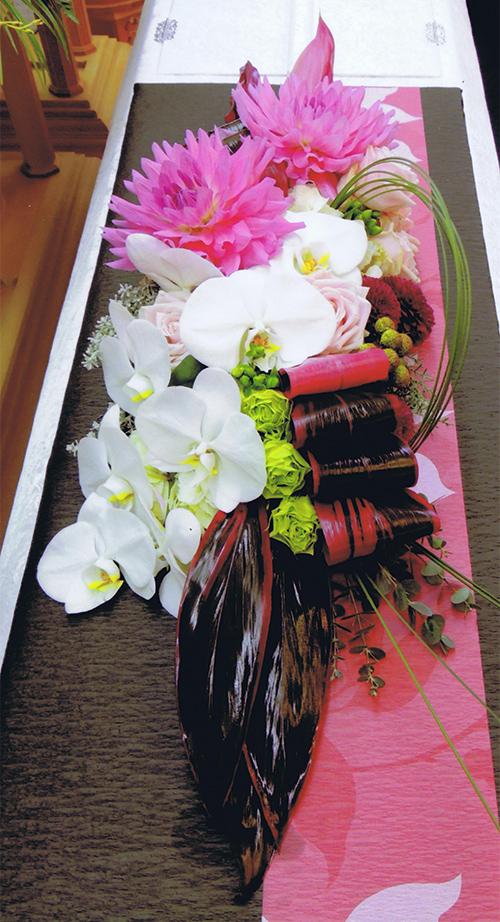 棺上花飾り